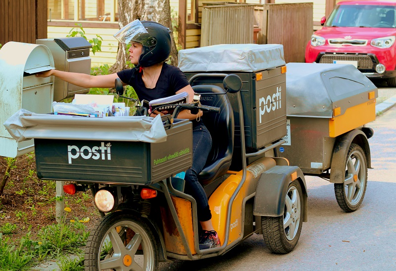 Various Benefits of Electric Delivery Vehicles