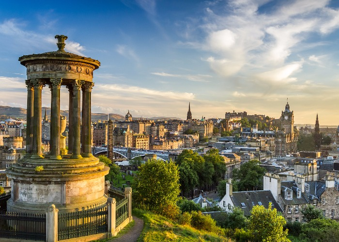 Drop the Basics and Explore Edinburgh like a Scottish