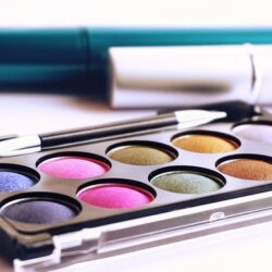 Eight Tips For Making Your Makeup Last Longer